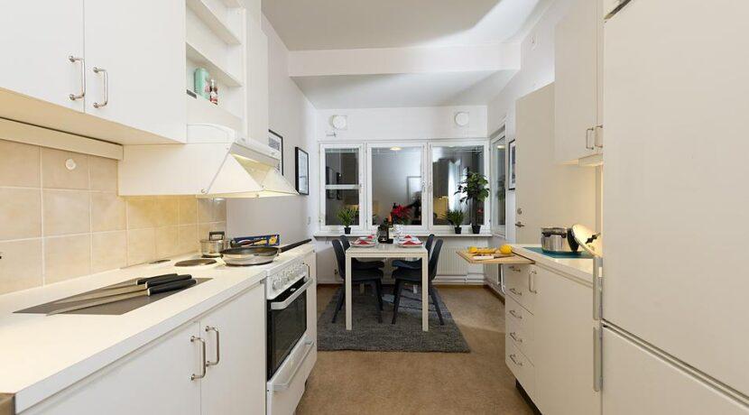 Kök och matsalsbord